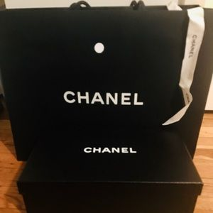 Chanel bundle - box, large bag and ribbon